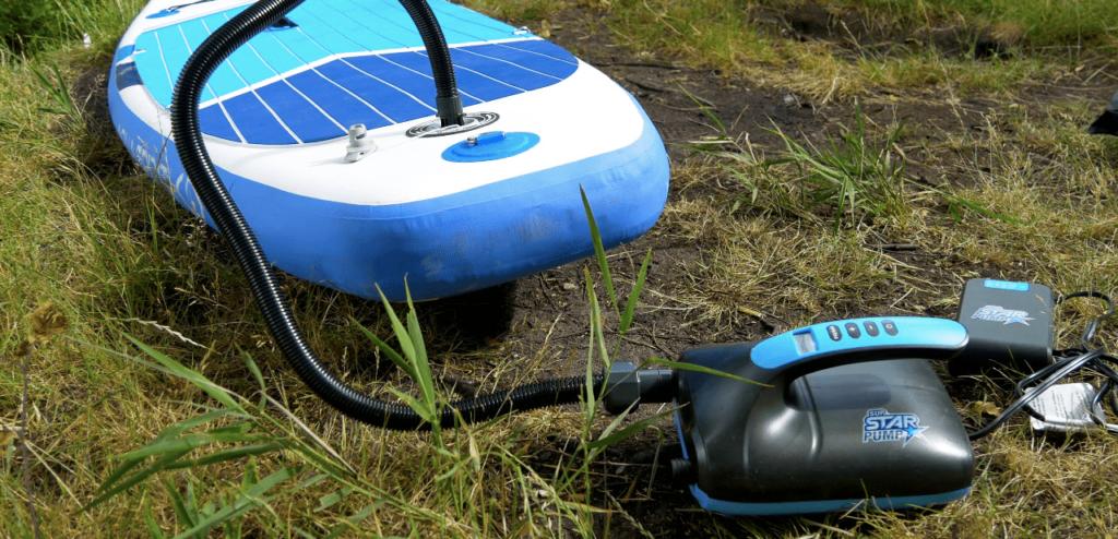 Gagnez du temps en gonflant votre paddle avec une pompe électrique